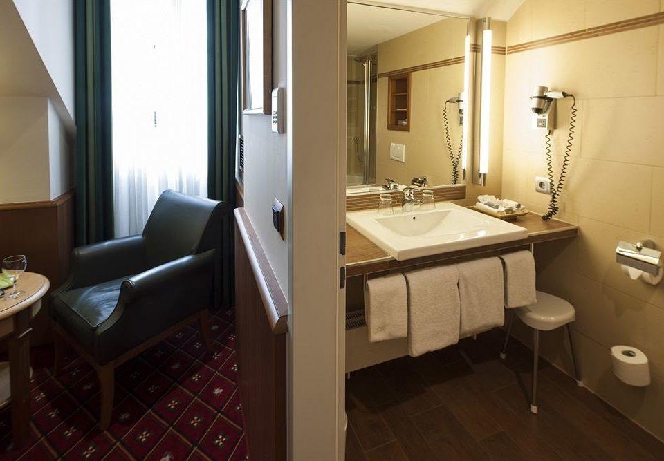 property bathroom Suite home cottage condominium