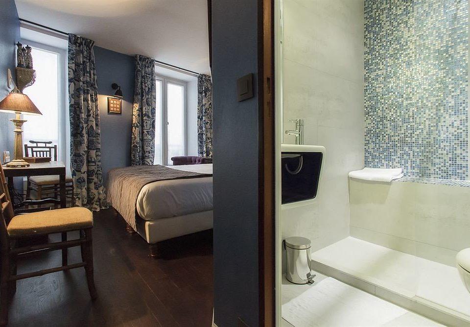 property Suite home condominium cottage living room bathroom