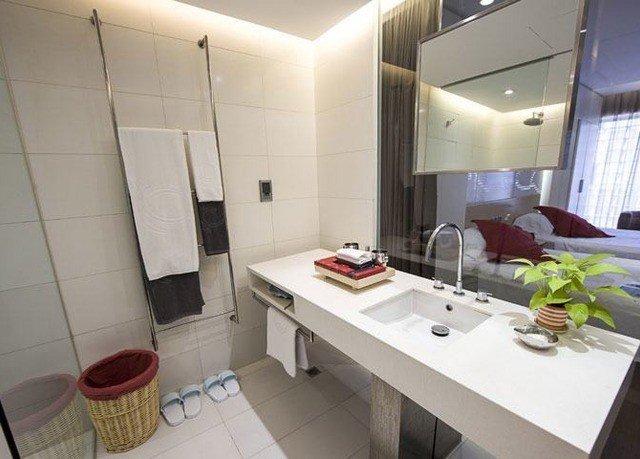 property Suite sink home condominium cottage bathroom loft tiled