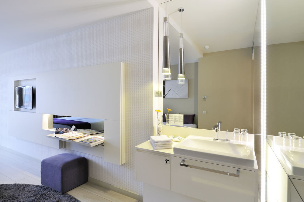 bathroom property home sink Suite condominium cottage living room