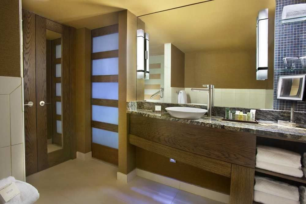 bathroom property condominium sink home cottage Suite