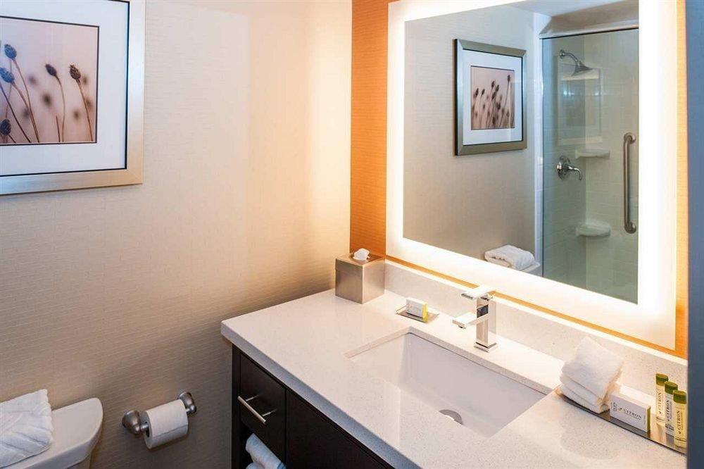 bathroom mirror sink property home Suite cottage condominium
