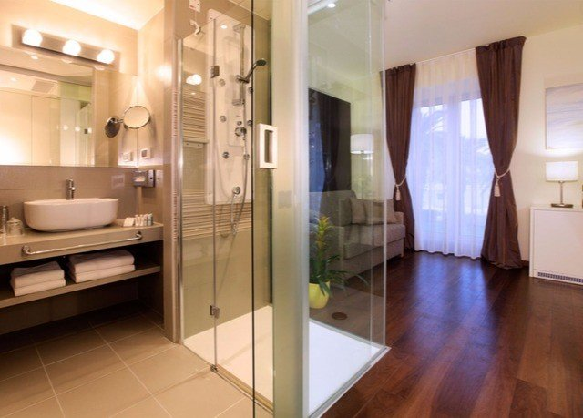 property bathroom Suite home flooring condominium
