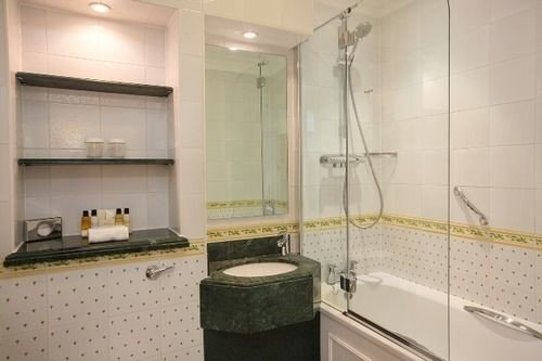 bathroom property condominium flooring Suite tile tiled