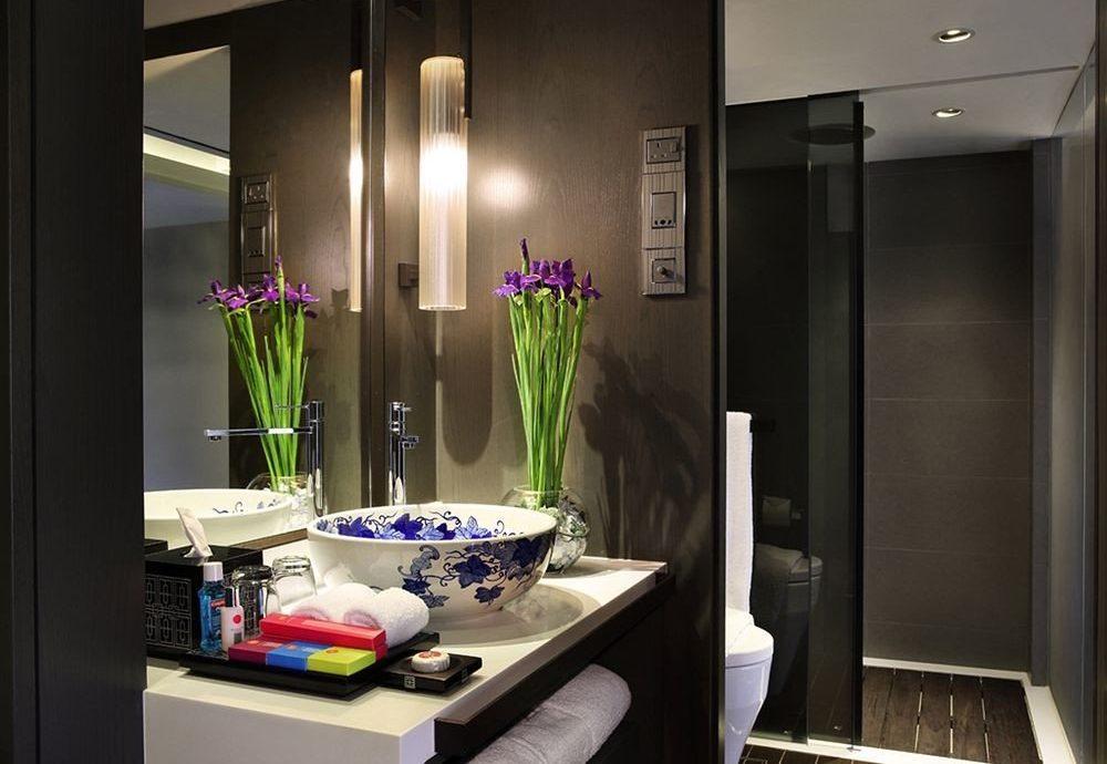 property Suite home living room condominium lighting bathroom