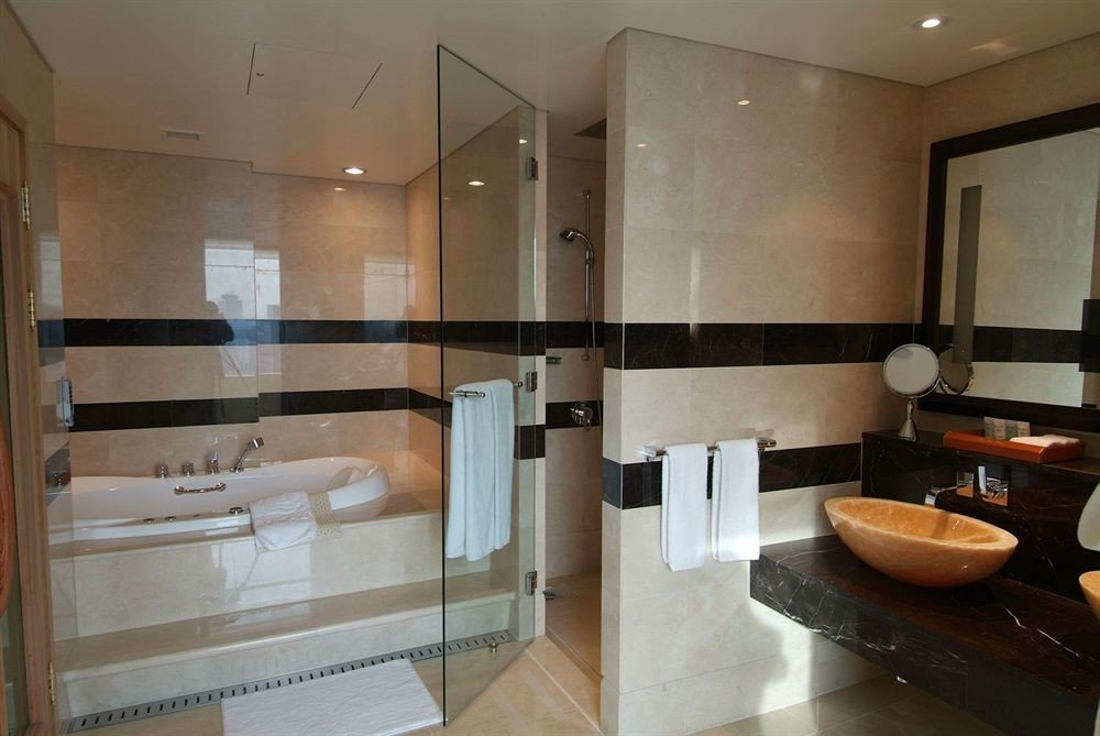 bathroom property home Suite sink condominium