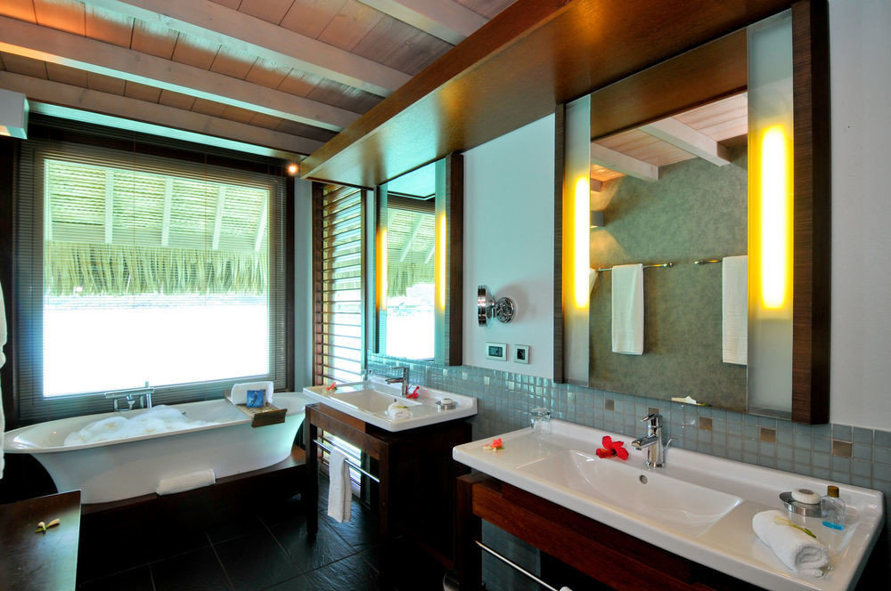 bathroom sink property home Suite condominium