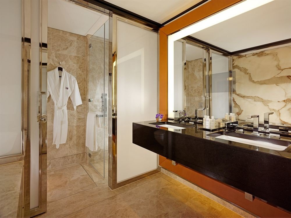 bathroom property home Suite counter sink cottage flooring