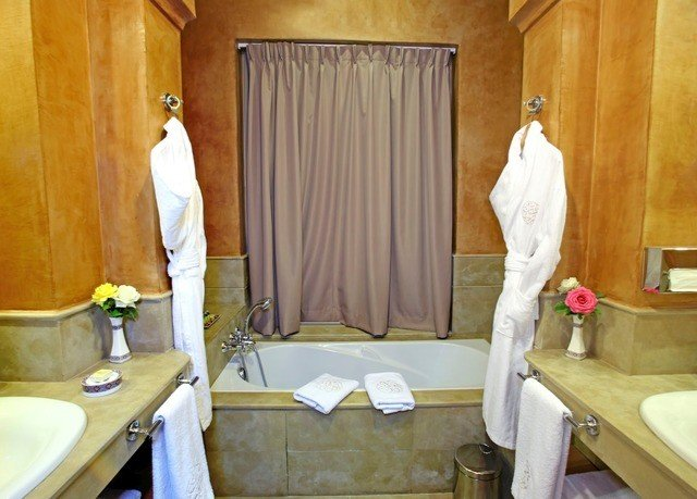 curtain property Suite bathroom cottage home