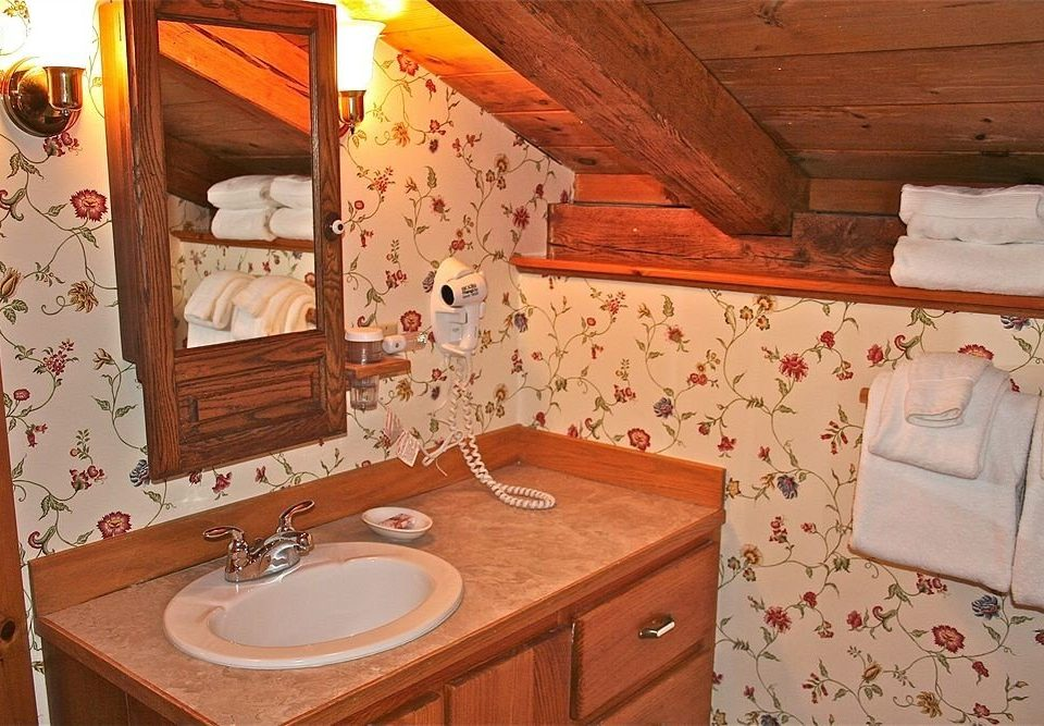 property house cottage bathroom home Suite farmhouse