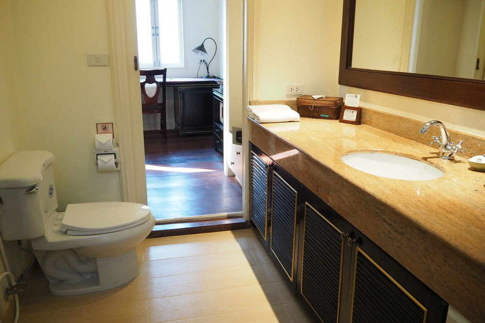 bathroom property Suite home cottage