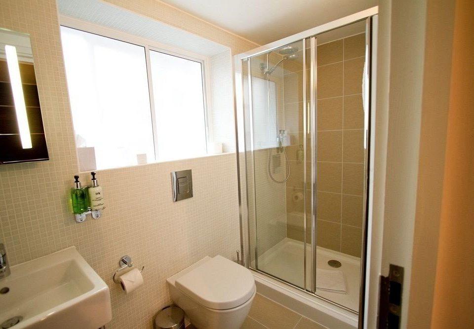 bathroom sink property toilet home cottage shower Suite