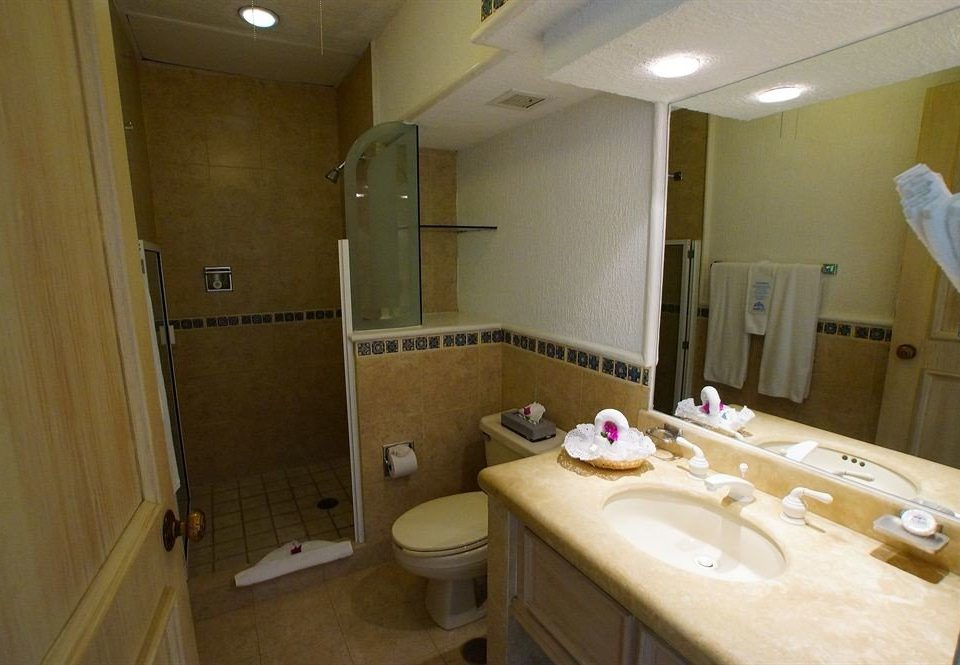 bathroom sink property toilet Suite home cottage