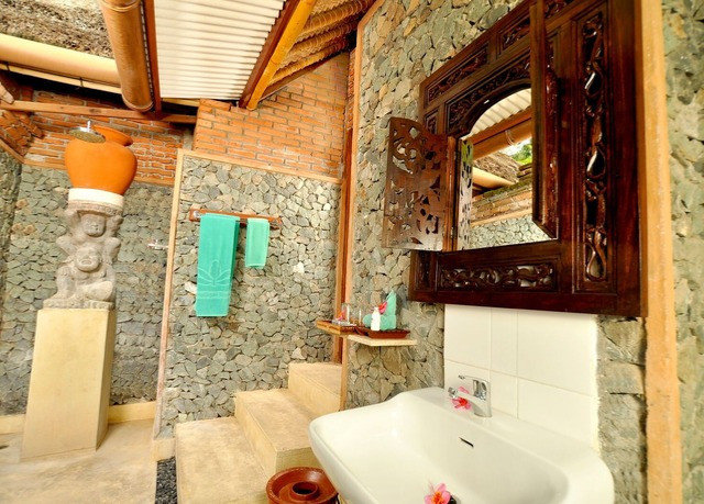 bathroom property home cottage mansion Suite stone