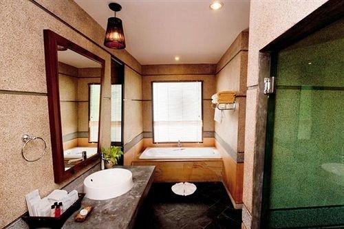 bathroom property sink home Suite cottage mansion