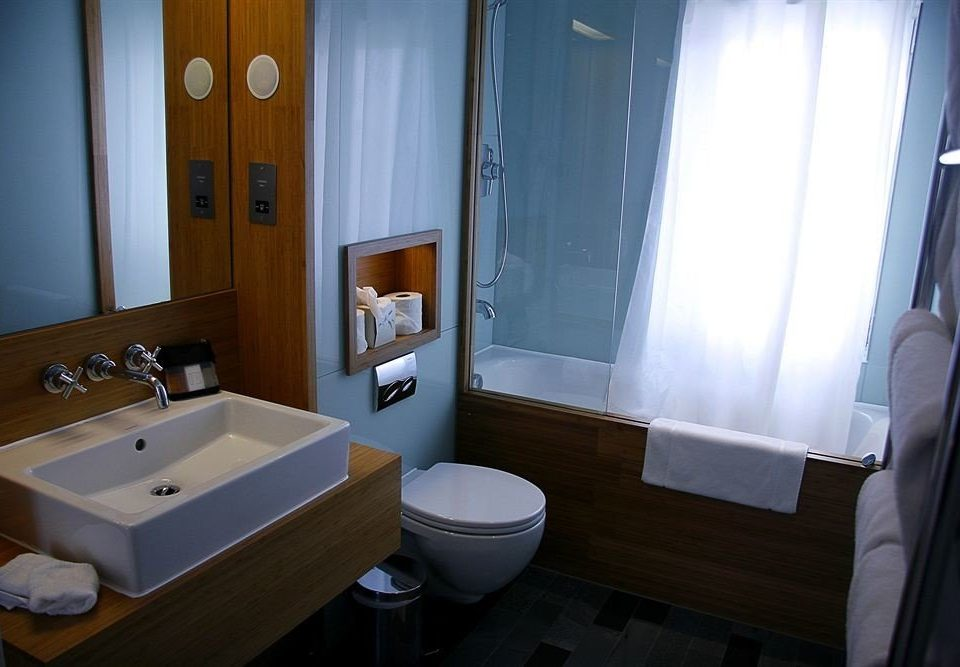 bathroom property sink house Suite home swimming pool cottage