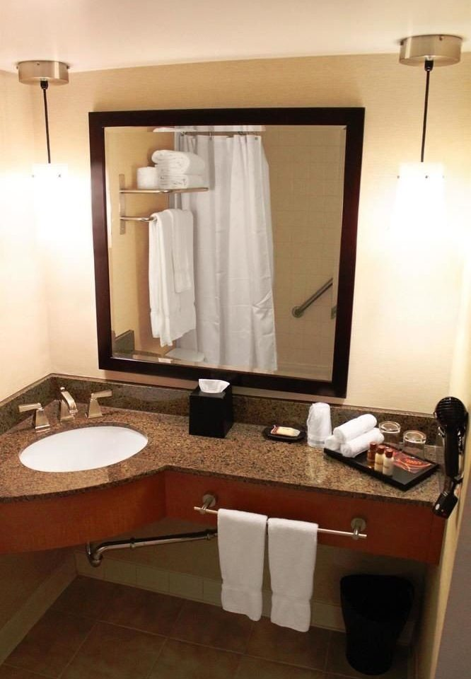 bathroom mirror sink property home Suite cottage towel