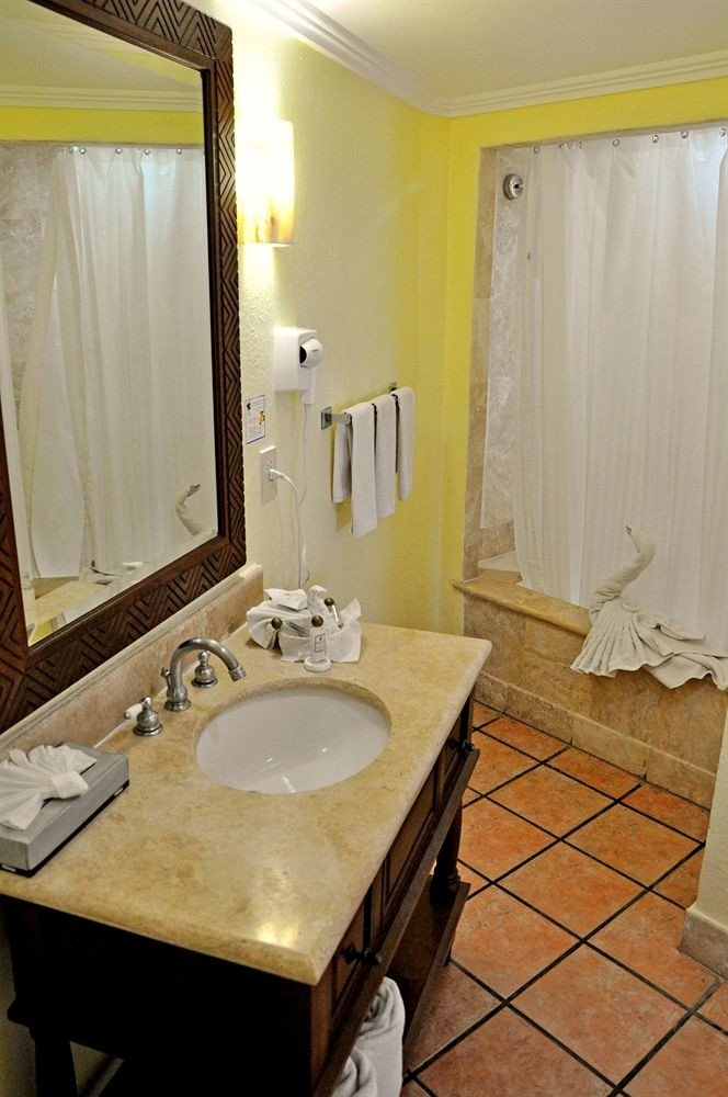 bathroom sink mirror property Suite house home cottage