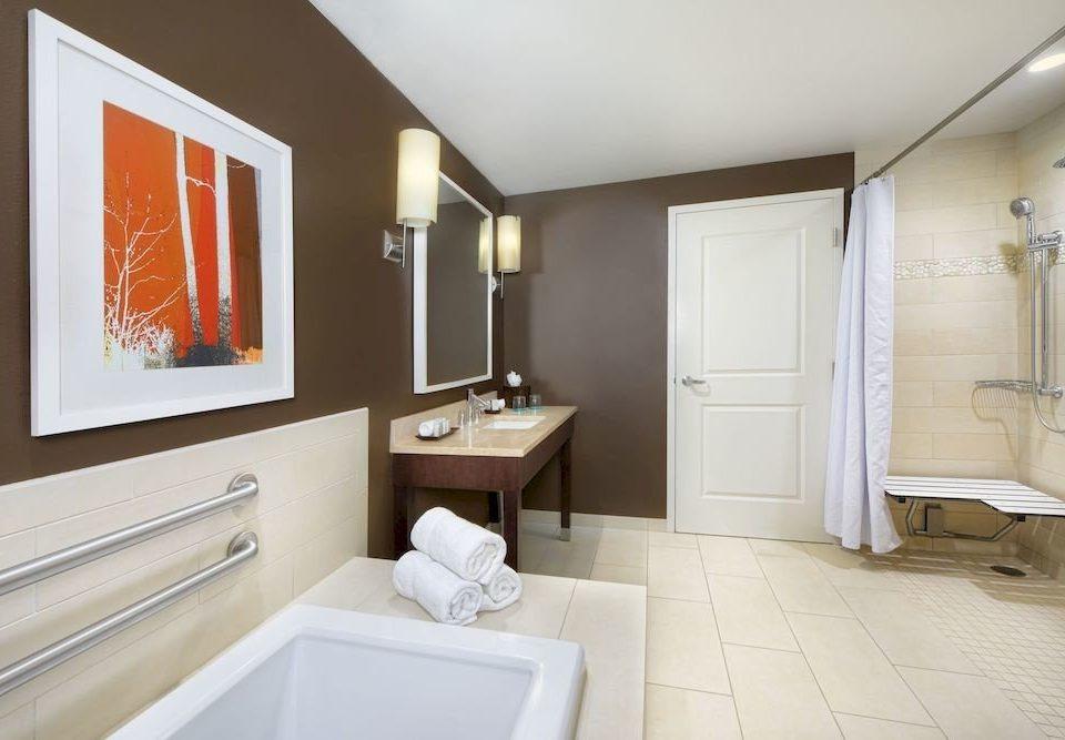 bathroom property home cottage Suite