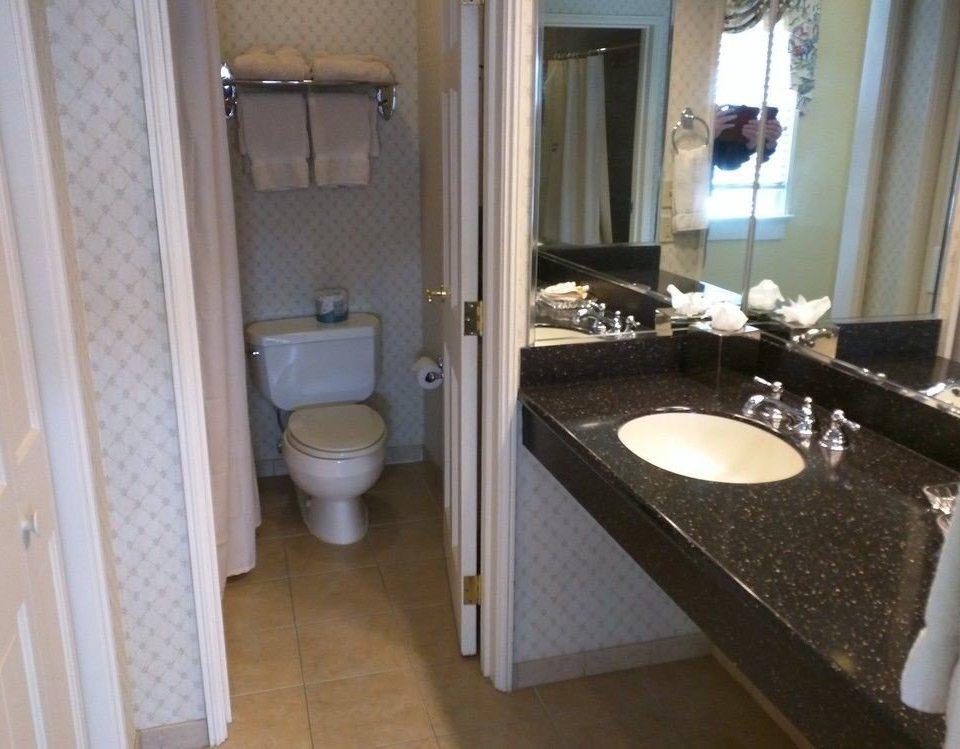 bathroom sink property mirror home cottage Suite tile tub rack tiled
