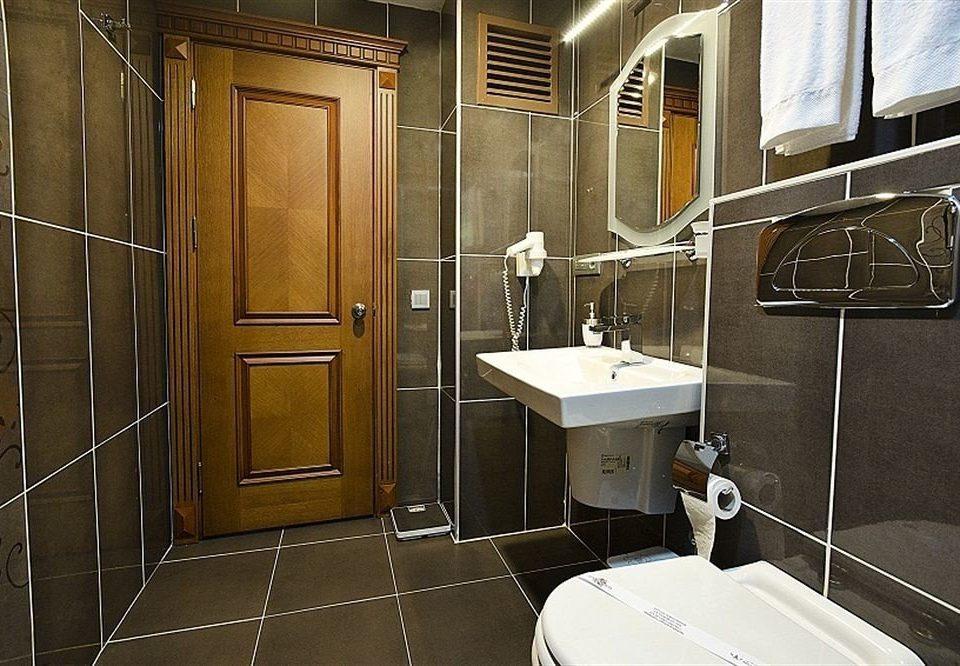 bathroom property house home shower toilet cottage public toilet Suite plumbing fixture stall tiled tile