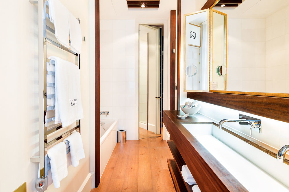 property sink home wooden Suite cottage bathroom