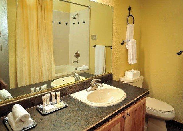 bathroom mirror sink property Suite home cottage towel