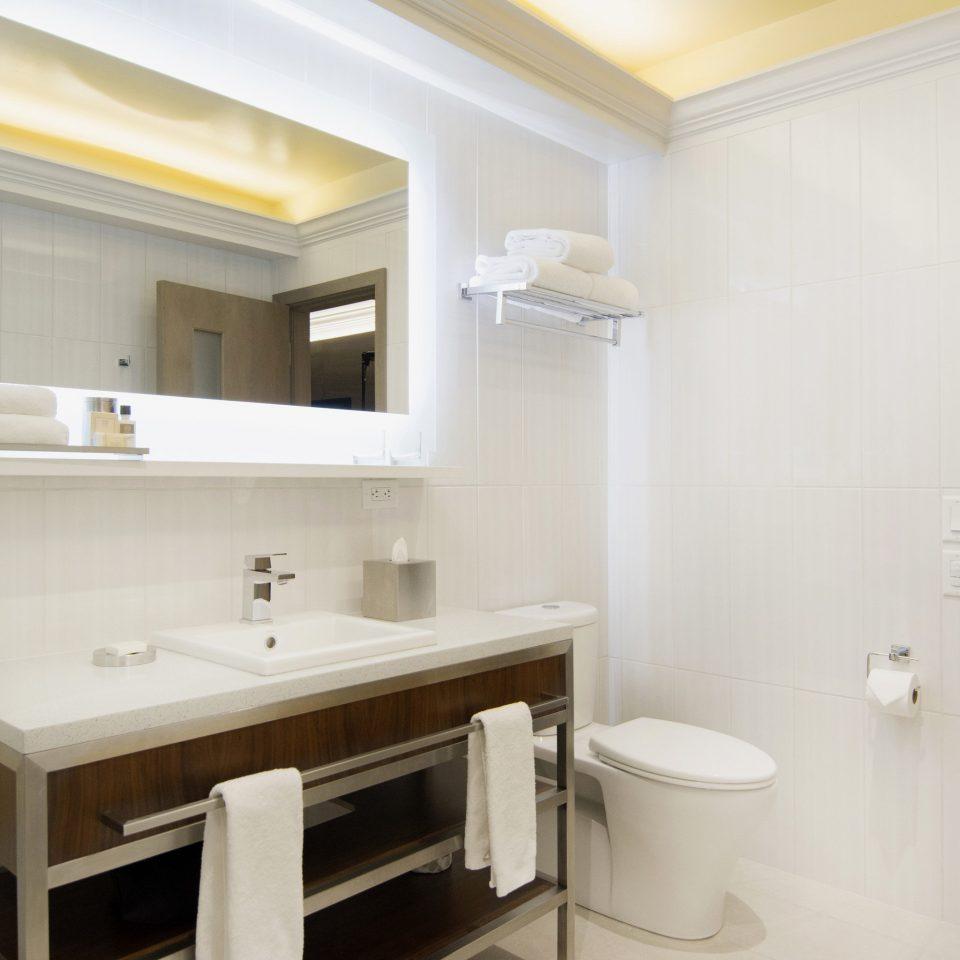 bathroom property home Suite cottage sink