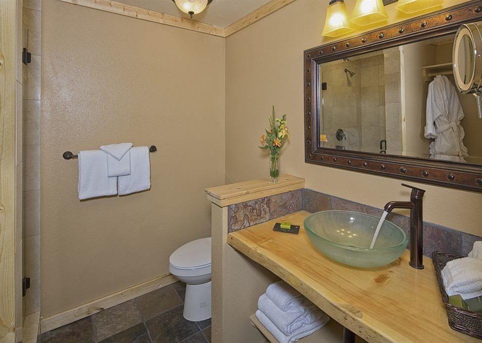 bathroom property home sink house cottage Suite trash