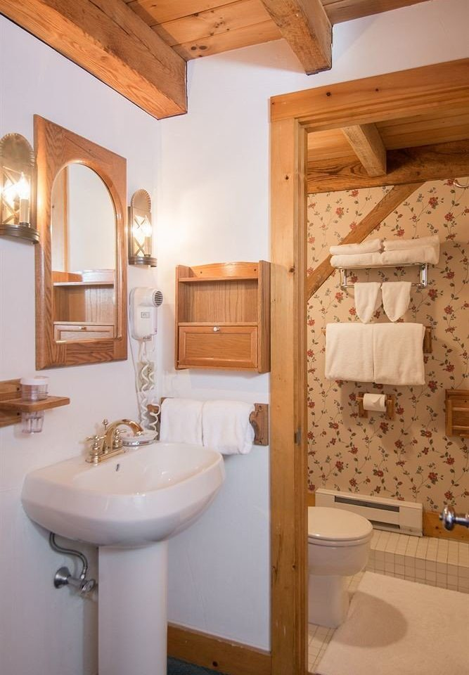 bathroom property sink home cottage Suite toilet