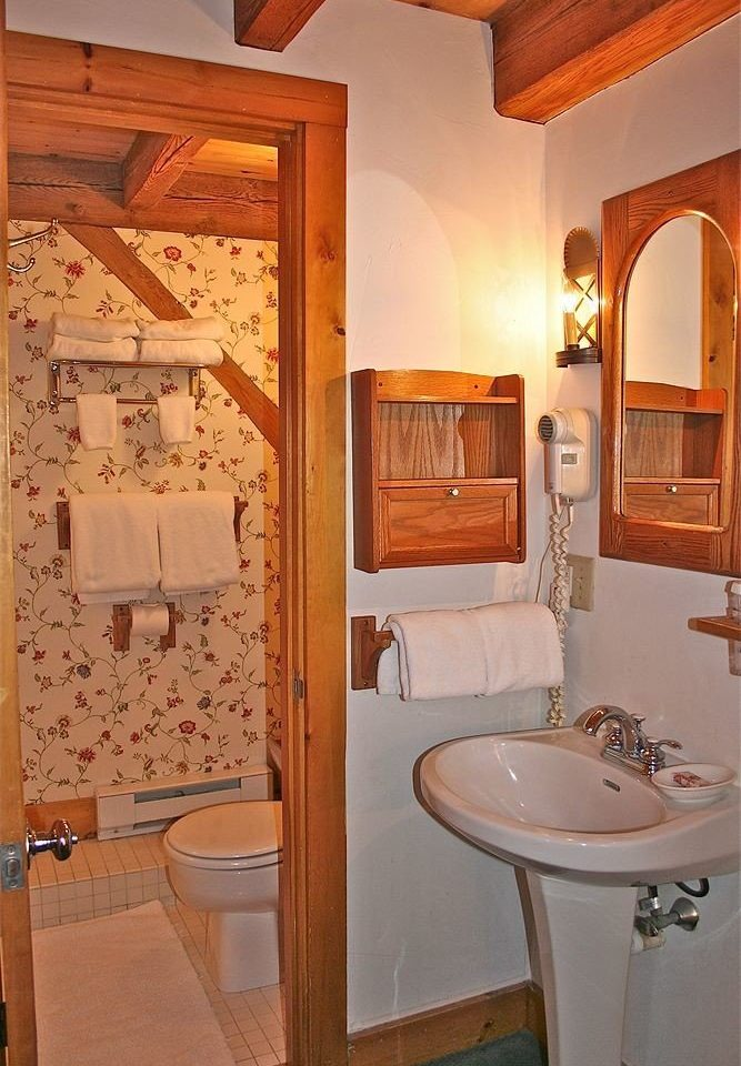 bathroom property sink house home cottage Suite