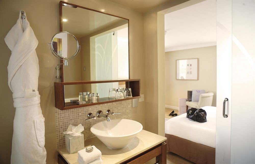 bathroom mirror sink property toilet home Suite towel white cottage tan