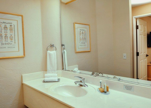 bathroom mirror sink property home Suite cottage toilet