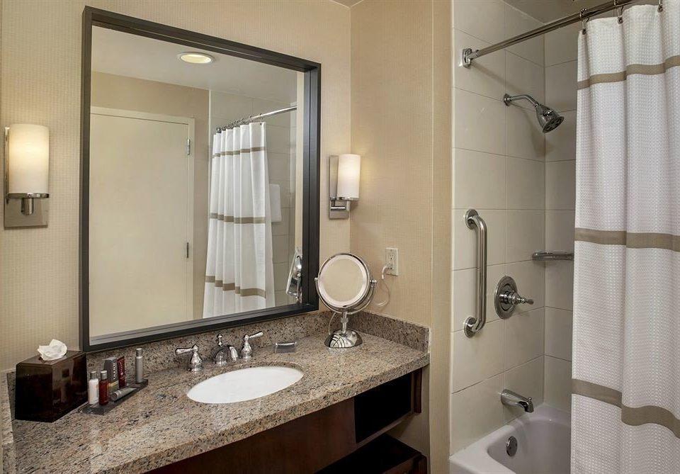 bathroom mirror sink property toilet Suite towel cottage rack tile tan