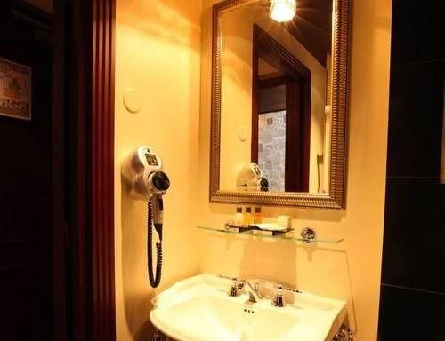 bathroom sink property Suite white cottage toilet tiled