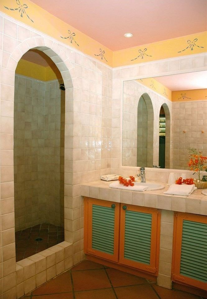 property bathroom yellow Suite cottage tiled tile