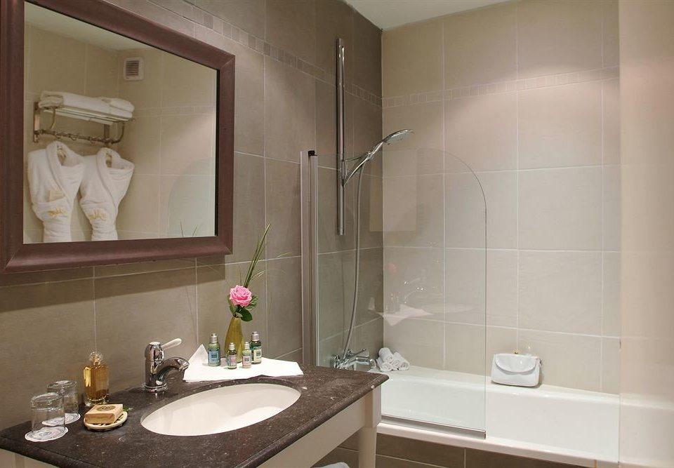 bathroom sink mirror property home counter flooring Suite plumbing fixture