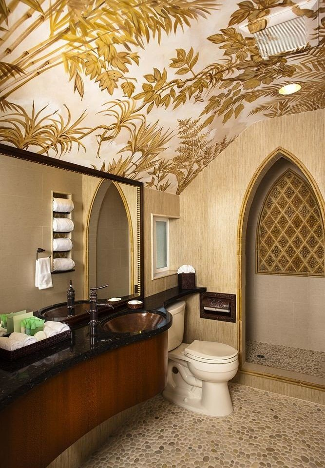 bathroom property home living room flooring mansion farmhouse Suite