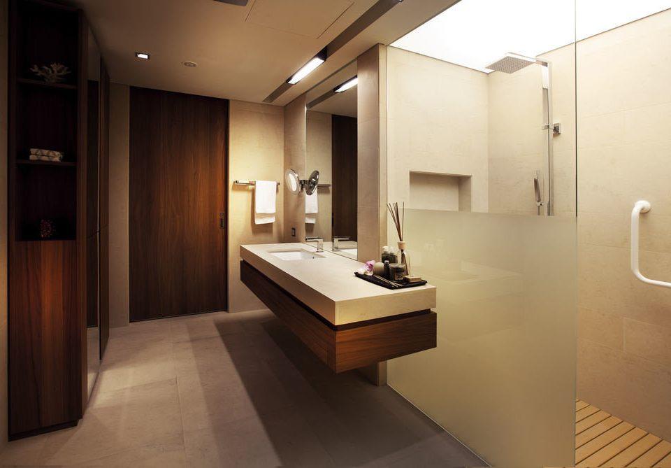 bathroom property sink Suite home flooring
