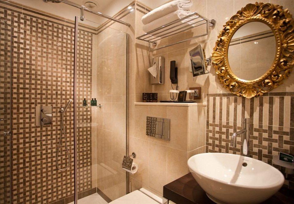 bathroom property Suite flooring toilet tile tiled