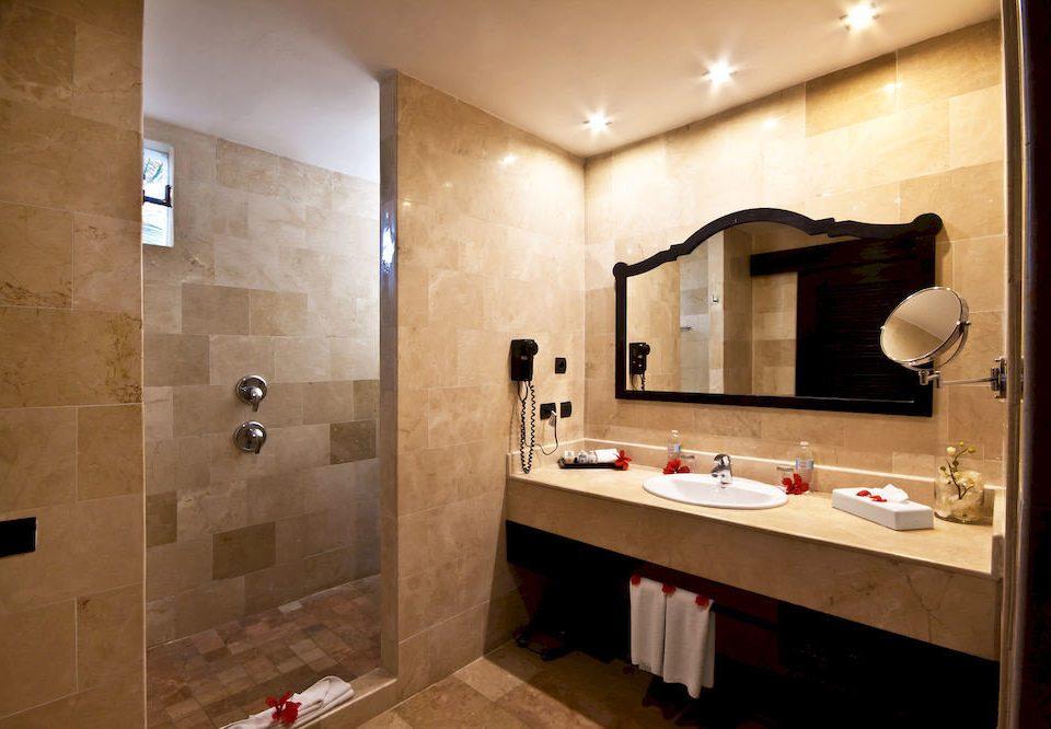 bathroom mirror sink property house home Suite plumbing fixture