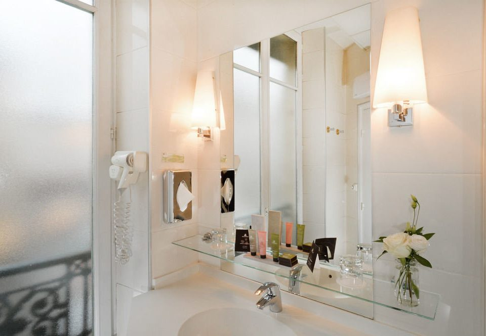 bathroom mirror property house sink home lighting white Suite toilet
