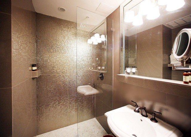 bathroom mirror property sink home Suite toilet light plumbing fixture
