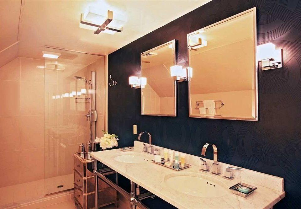 bathroom mirror sink property home lighting Suite toilet