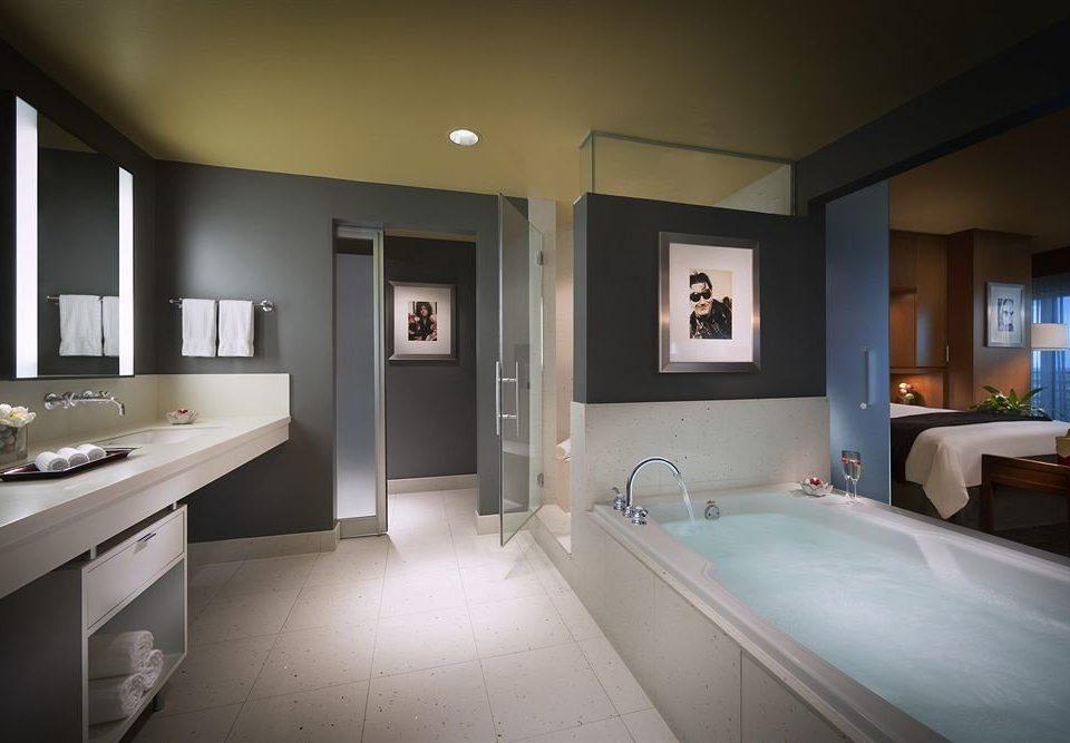 bathroom property mirror sink home Suite