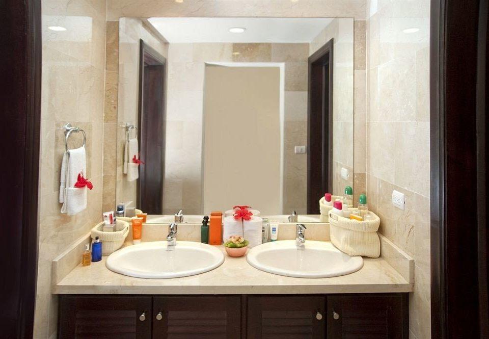 bathroom sink mirror property home Suite