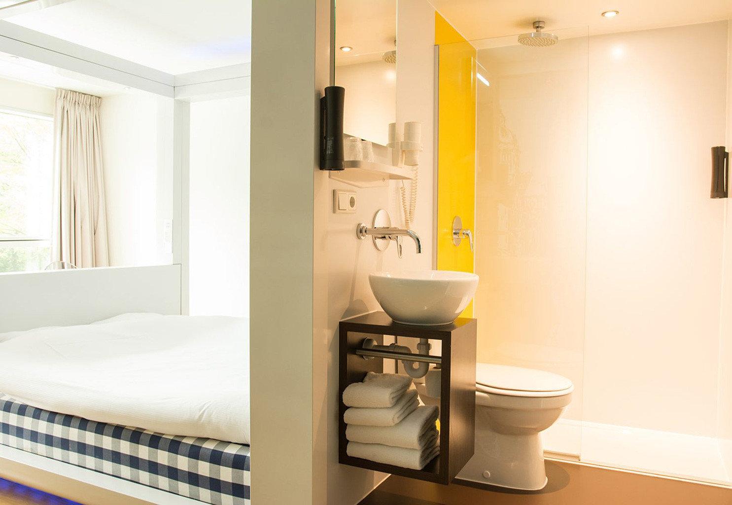 bathroom property Suite home plumbing fixture