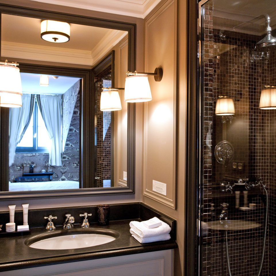 property Suite bathroom home