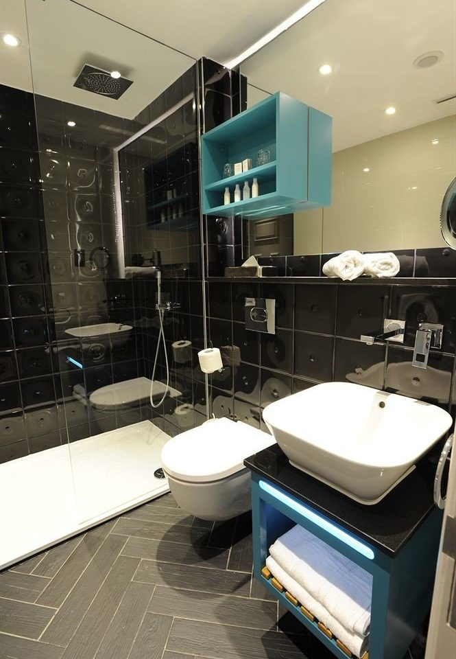bathroom property lighting Suite