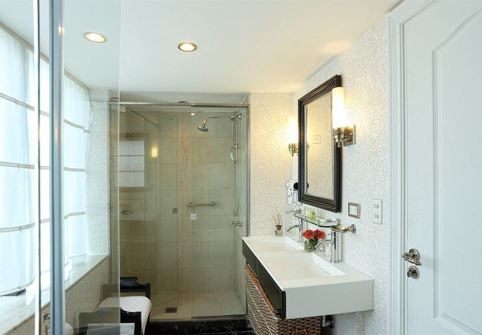 bathroom property mirror Suite sink white tiled